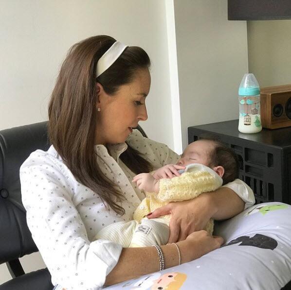 Andrea Torre y su hijo Diego