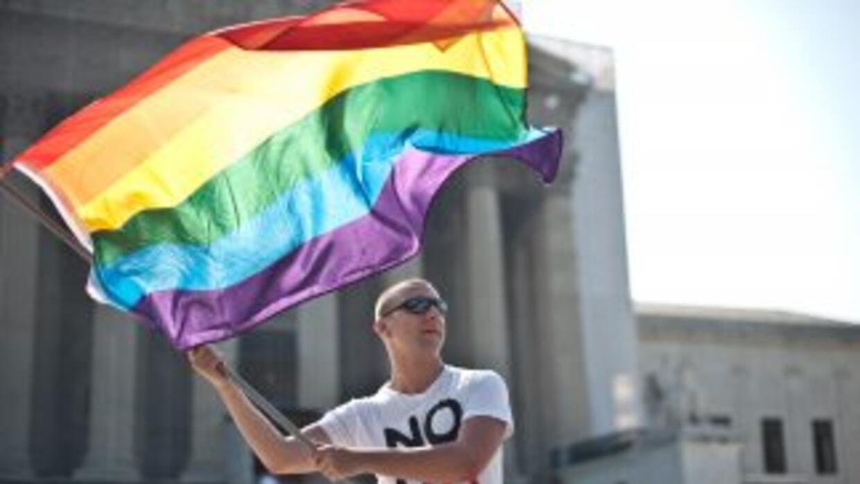 Obama firmó una orden ejecutiva que prohíbe a las empresas discriminar a...