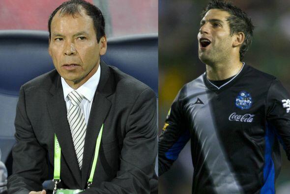 El Técnico de Chiapas, José Guadalupe Cruz, sustituye al guardameta y la...