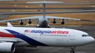 En el Boeing 777 viajaban 280 pasajeros y 15 miembros de la tripulación,...