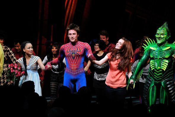 El controversial espectáculo del El Hombre Araña en Broadw...
