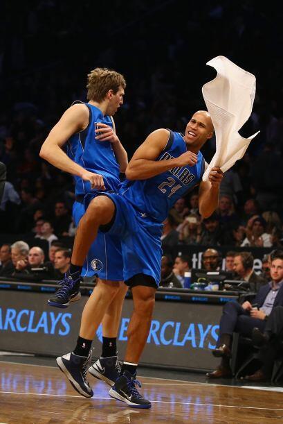 5 de Enero - Mavericks (26-10) ganan 96 - 88 a Nets (16-18). Dirk Nowitz...