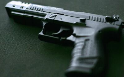 Arrestan a un estudiante de 12 años acusado de llevar un arma a su escuela