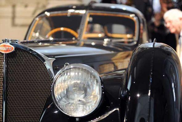 Bugatti 57 S(C) Atlantic 1938.