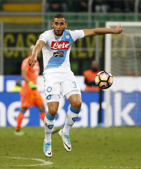 El argelino Faouzi Ghoulam, actualmente en el Napoli, podría pasar al Li...