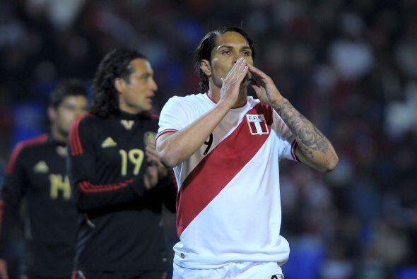 Paolo Guerrero comenzaba a dar muestras de que sería una calamidad para...