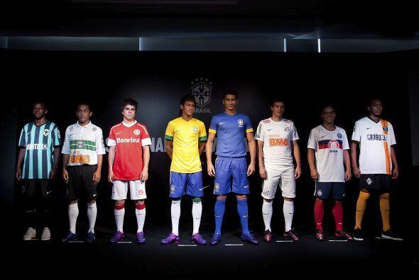 El nuevo uniforme del equipo del entrenador Mano Menezes será estrenado...
