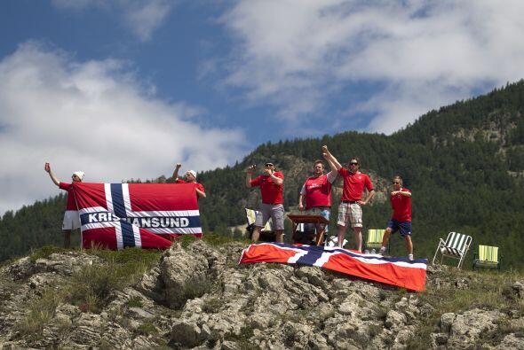 Por supuesto que los aficionados noruegos  celebraron en los Alpes.