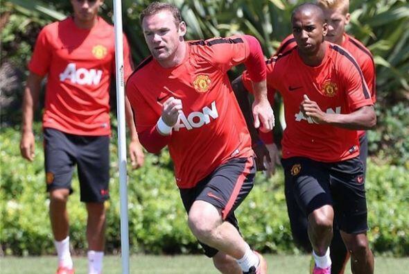 Wayne Rooney compartió este martes una foto donde se le ve entrenando co...