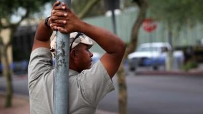 Miles de jornaleros ya no salen a las calles en busca de un empleo por m...