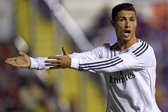 Levante se adelantó y el Real Madrid comenzó a desesperarse.