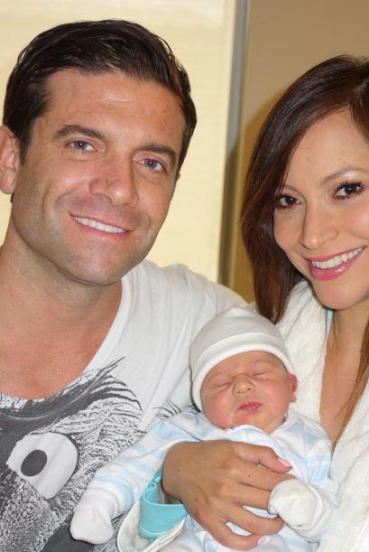 Después de 40 semanas de embarazo, Satcha y Aaron le dieron la bienvenid...