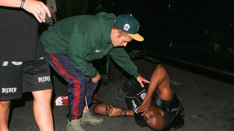 Justin Bieber bajó de su camioneta y le preguntó al paparazzi si las rue...