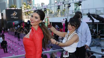 ¡Las famosas desfilan con espectaculares peinados!