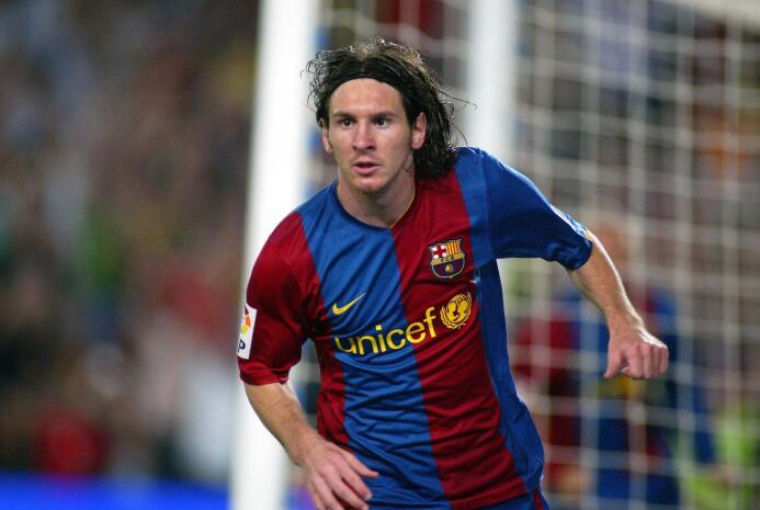 Los cambios de 'look' de Lionel Messi, de promesa hasta superestrella La...