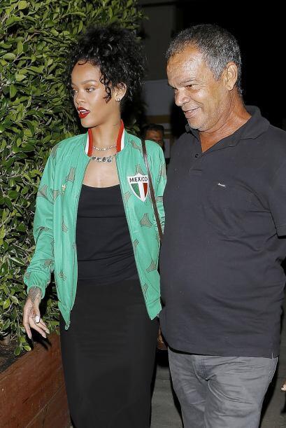Acá vemos a la artista abandonar el restaurante italiano Giorgio Baldi a...