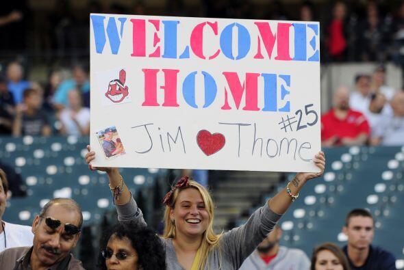Jim Thome regresó a Cleveland, en donde los aficionados le recibieron co...