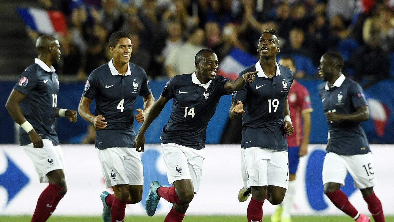 Matuidi da victoria a Francia sobre Serbia