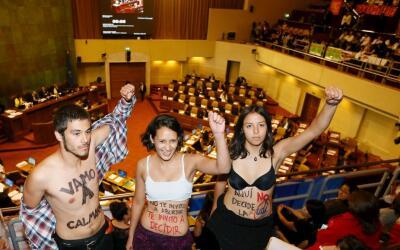 Protesta en favor del derecho a elegir, en Chile.