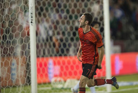 LATERAL.- El esquema futbolístico del 'Piojo' se basa en la generación d...