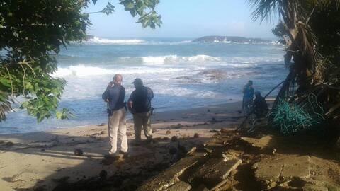 Buscan surfer desaparecido en la costa norte.