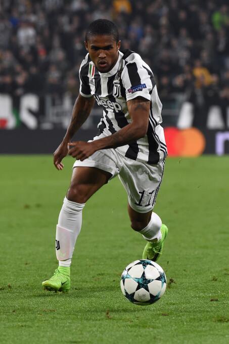 Extremo derecho: Douglas Costa (Juventus F.C.)