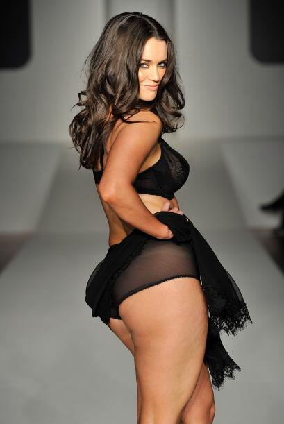 Laura Wells ha modelado y posado con poca ropa y miren nada más lo sensu...