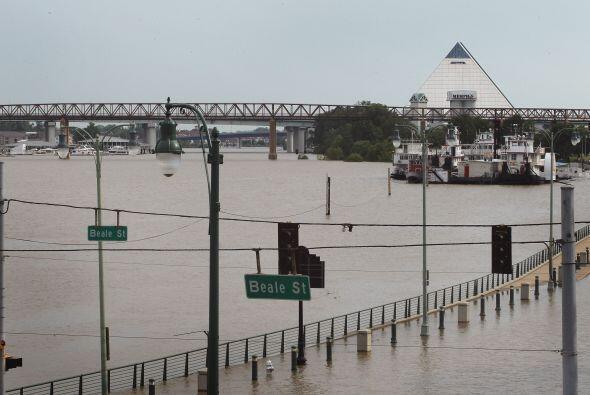 Los habitantes de la parte baja del río Mississippi y sus afluentes empa...