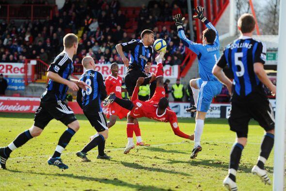 El club de la Premier pasó apuros al sufrir la expulsión de Rory Delap a...