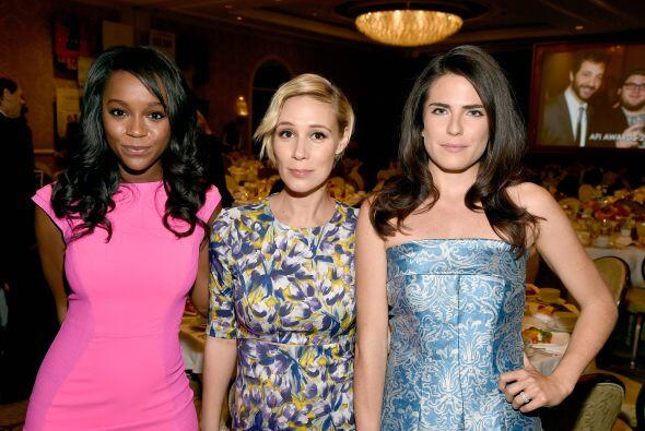Las bellas de 'How to get away with murder': Aja Naomi King, Liza Weil y...