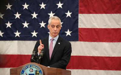Polémica por propuesta del alcalde de Chicago para que los estudiantes p...