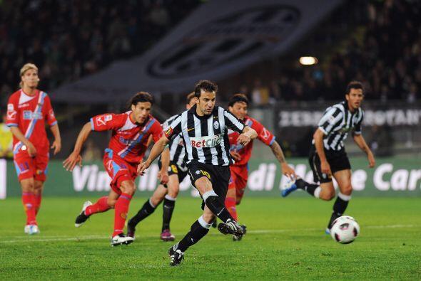 Juventus y Catania protagonizaron un duelo intenso. Comenzó ganando la '...