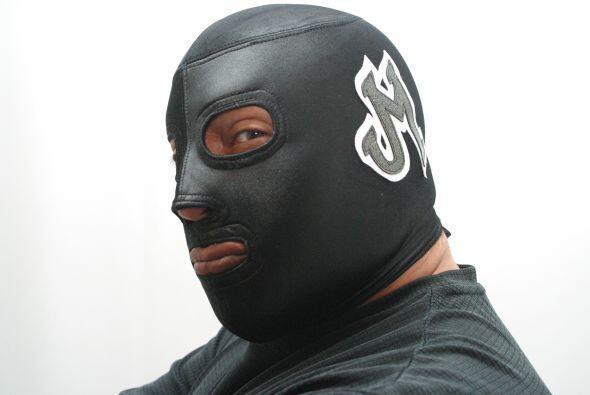 En el duelo máscara vs máscara entre Octagón y Jaque Mate, los seconds n...
