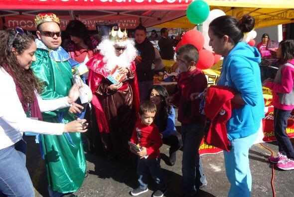 Y claro todos ellos querian sacarse fotos con Los Reyes Magos.