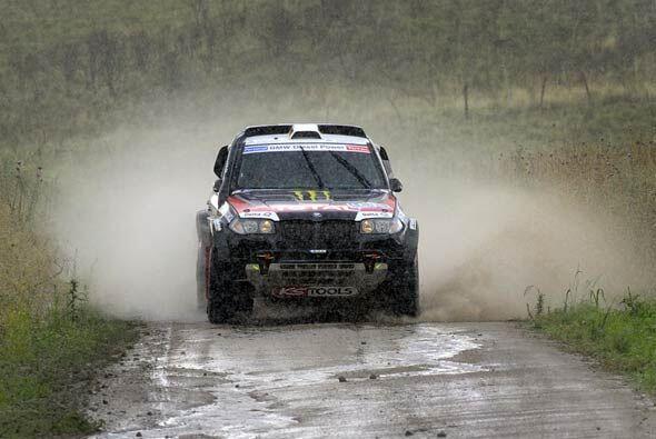 Peterhansel terminó la etapa a 3 minutos y 5 segundos con su BMW X5.