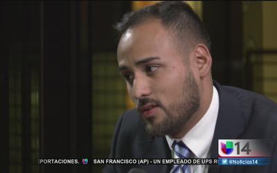 La Mesa: Ramiro Flores