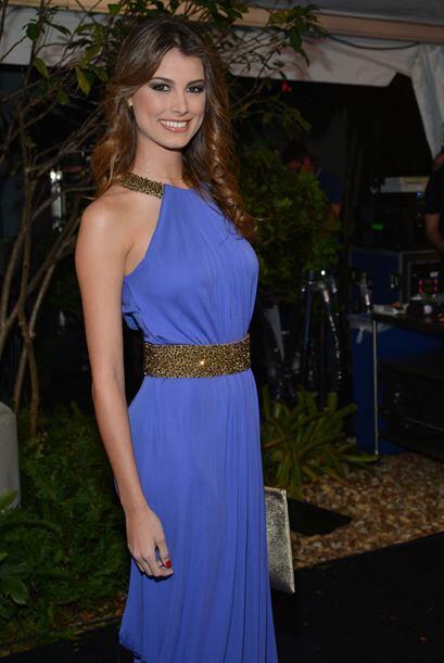 Y otra Miss Universo, también venezolana, Estefanía Fernández.