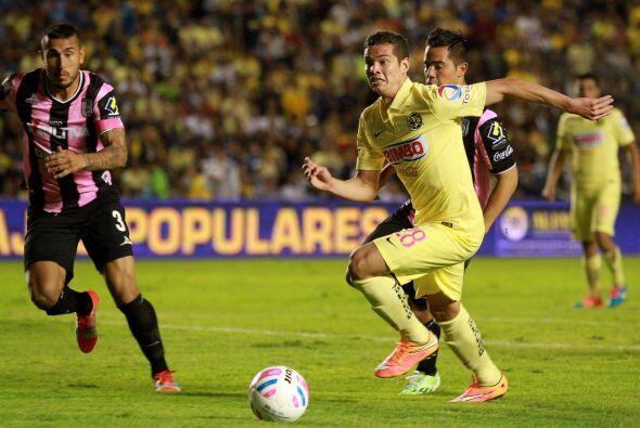 Martín Zúñiga, el delantero del América poco a poco ha ido ganando minut...