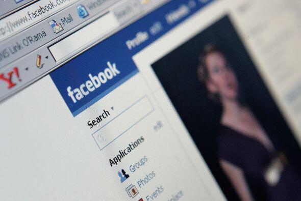 Un par de socios en los tiempos iniciales de Facebook denunciaron a Zuck...