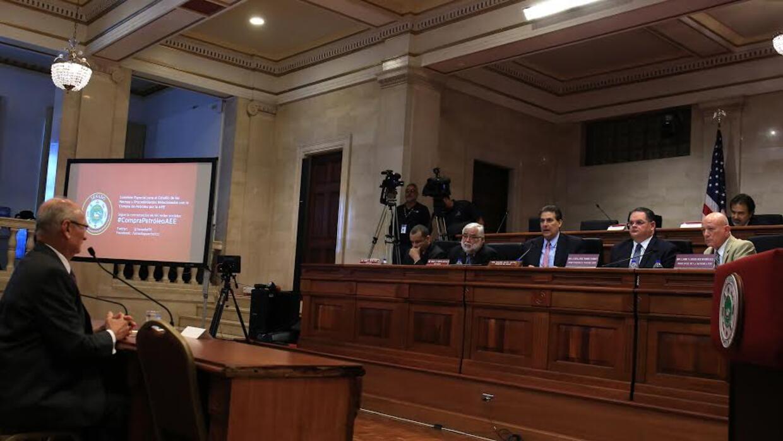 Comisión Especial que investiga los procedimientos para la compra de com...