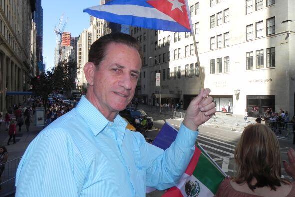 Univision 41 en el desfile de la Hispanidad 02adcedd19a84c68866aaddd3f64...