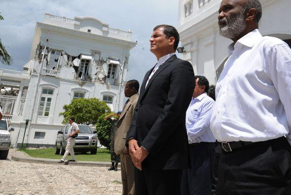 El jefe de Estado saludó a los soldados ecuatorianos y chilenos que inte...