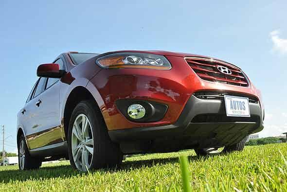 Su tamaño mediano y su bajo consumo de combustible la hacen una SUV idea...