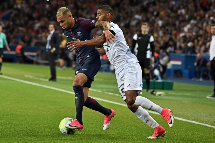 El PSG goleó al Saint-Etienne con un implacable Cavani 63639292370127030...