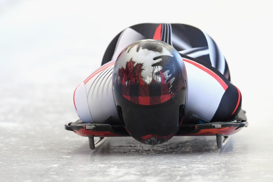 La canadiense Elisabeth Vathje plasmó en su casco tres íte...