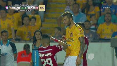 ¿Eres tú, Neymar?: de manera insólita, Salinas simuló una agresión en un cara a cara con Gignac