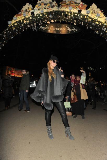 Paris Hilton se divirtió como una niñita en Winter Wonderland de Londres...