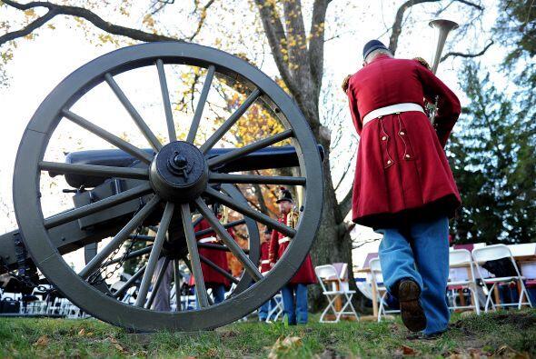 El ejército de los confederados, comandado por el general Robert E. Lee,...