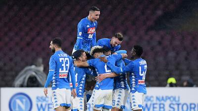 En fotos: Napoli se afianza en el segundo lugar de la Serie A gracias a un golazo de Milik