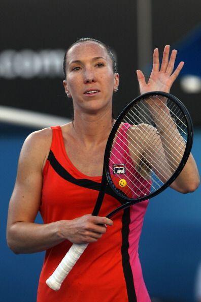 Jelena Jankovic, número 13 de la WTA, triunfó sobre Laura Robson por 6-2...